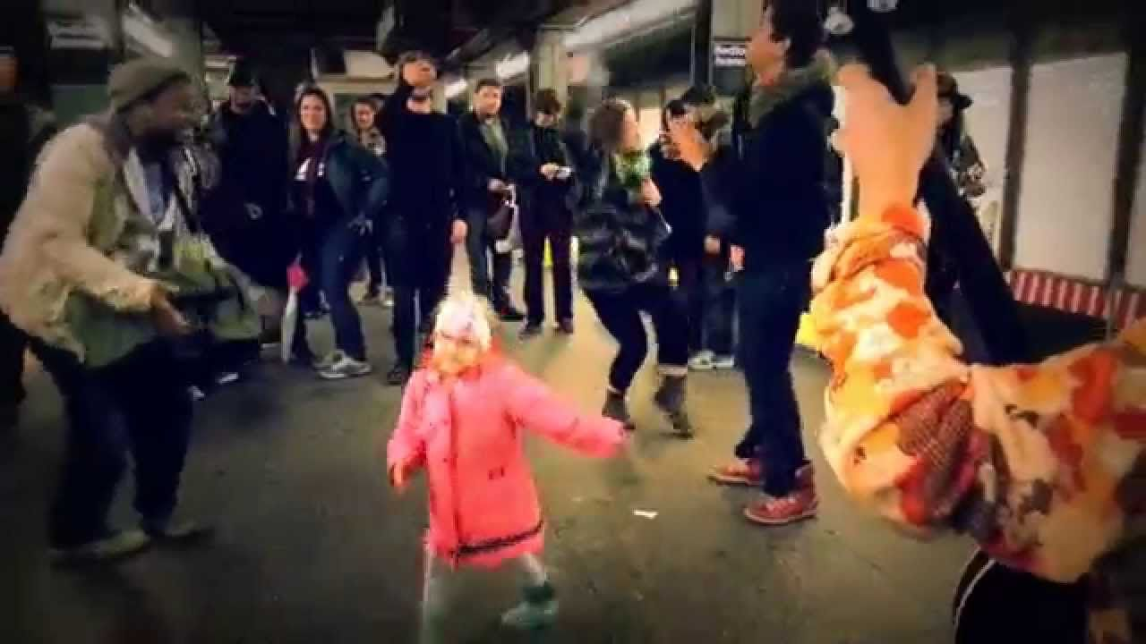 THIS LITTLE GIRL STARTS DANCING AT NY TUBE. WHAT HAPPENS NEXT IS AMAZING!