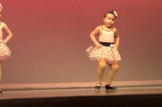The young dancer who has conquered the Internet